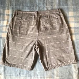 Hurley Shorts - Hurley Gray w/White Stripes Active Shorts EUC